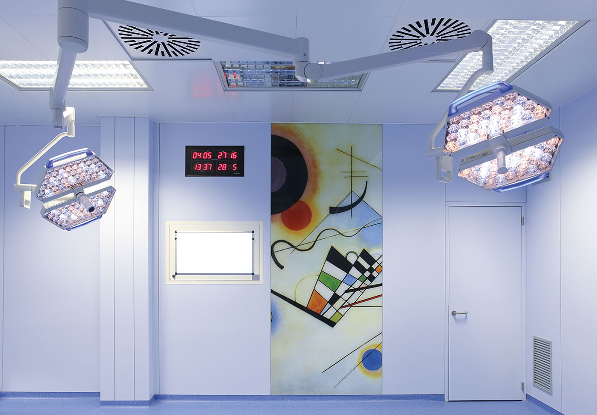 The GB-HLS OR Module ceiling is designed for flexibility and functionality